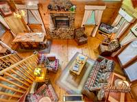 2 Bedroom Cabin between Pigeon Forge and Gatlinburg - living room aerial view