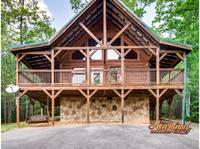 Private 2 bedroom cabin between Gatlinburg and Pigeon Forge