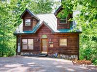 Naughty Pines - Affordable 1 bedroom cabin perfect for a romantic getaway to the Smokies