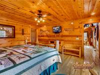 King bedroom of 3 bedroom cabin near Gatlinburg and Pigeon Forge