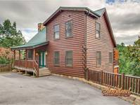 """Away in the Mountains"" 3 bedroom luxury cabin between Gatlinburg and Pigeon Forge"