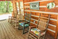 A Beary Happy Place Cabin Rental