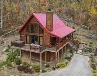 Christmas Bear Cabin Rental