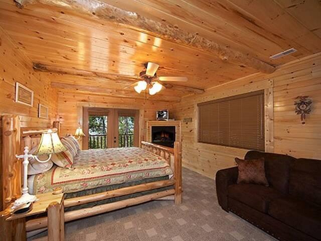 Hemlock Inn 8 Bedroom Gatlinburg Cabin