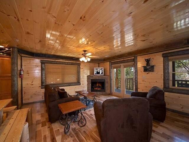 Pine Tree Lodge 8 Bedroom Gatlinburg Cabin