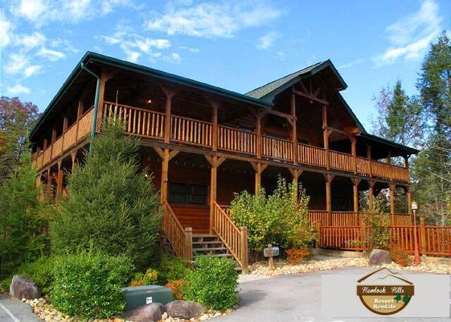 Hemlock Inn - 8 Bedroom Gatlinburg cabin