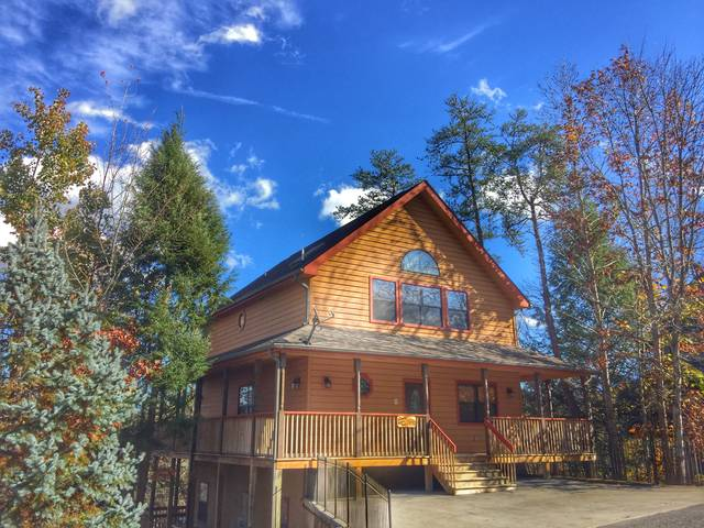 Ole Smoky Retreat 4 Bedroom Pigeon Forge Cabin