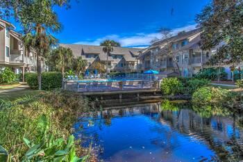 82 Courtside 2 BR Forest Beach Condo 2 Bedroom Cabin Rental