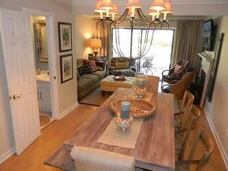 17 Coligny Villas Luxury 3 BR Forest Bea 3 Bedroom Cabin Rental