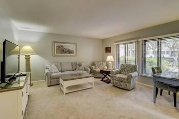 935 Cutter Court Harbourtown Sea Pines  1 Bedroom Cabin Rental