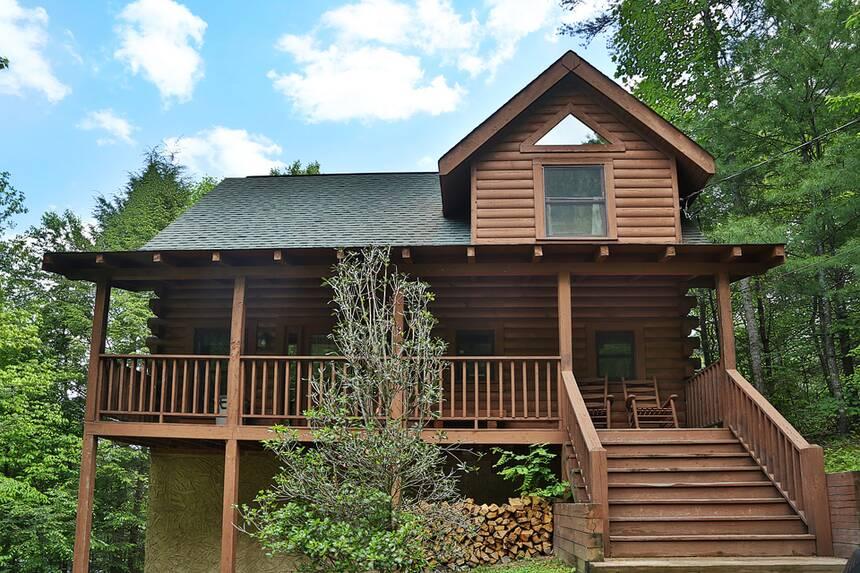 On golden pond 2 bedroom pigeon forge cabin rental for 2 bedroom cabin in pigeon forge
