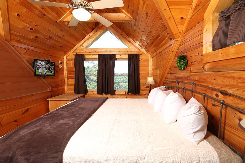 Smoky Mountain Majesty 3 Bedroom Pigeon Forge Cabin Rental
