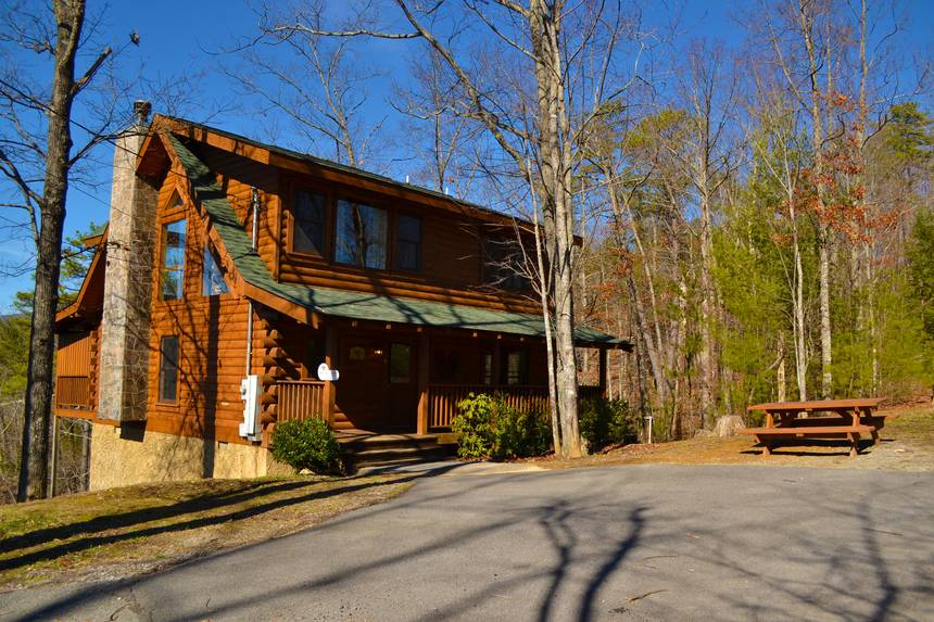 Little Lost Valley Cabin: Snowshoe Lodge 3 Bedroom Pigeon Forge Cabin Rental