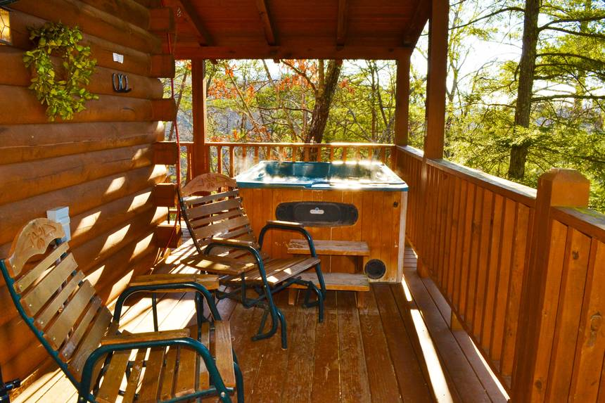 Little Lost Valley Cabin: Moonshadow 2 Bedroom Pigeon Forge Cabin Rental