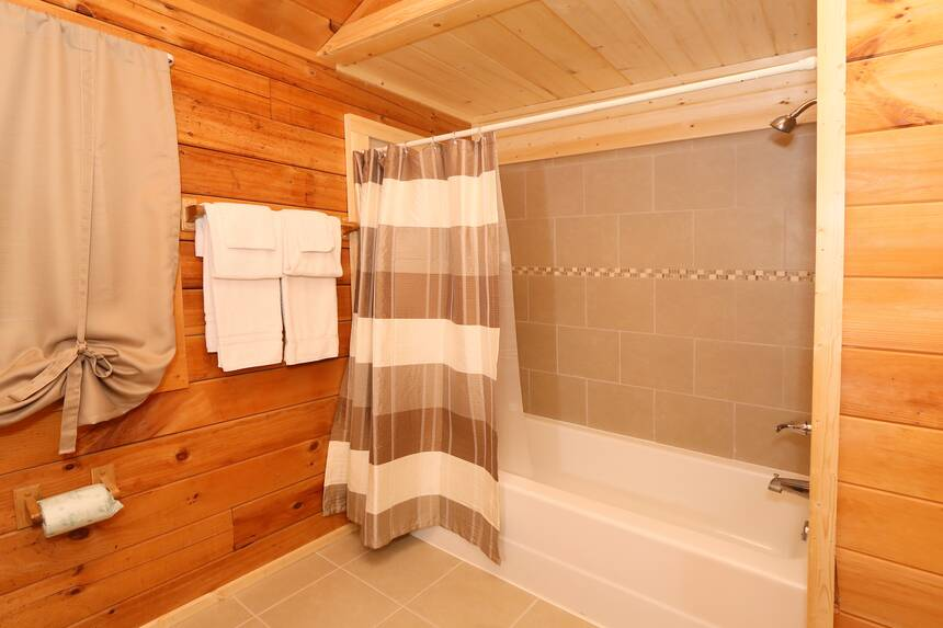 Reflections 2 Bedroom Pigeon Forge Cabin Rental