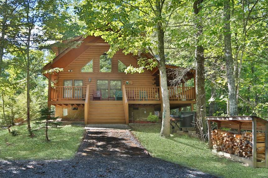 Little Lost Valley Cabin: Peaceful Haven 2 Bedroom Pigeon Forge Cabin Rental