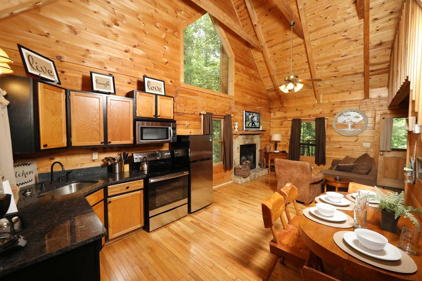 Little Lost Valley Cabin: Magic Moments 2 Bedroom Pigeon Forge Cabin Rental