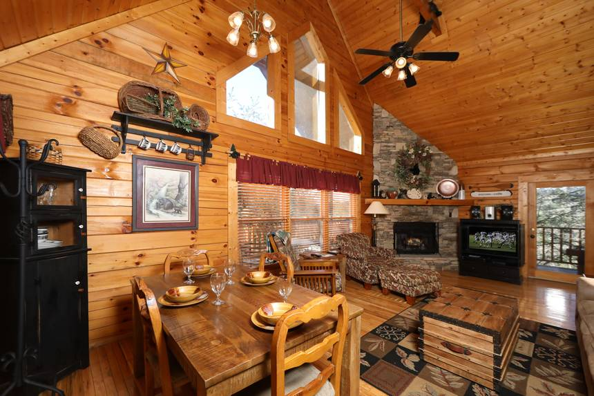Little Lost Valley Cabin: Spirit Of The Valley 2 Bedroom Pigeon Forge Cabin Rental