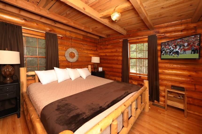 Lodge Between The Streams 2 Bedroom Pigeon Forge Cabin Rental