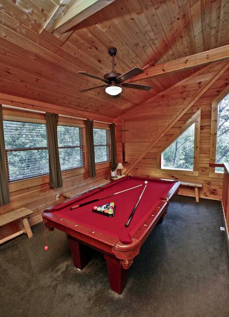 Mountain Majesty 2 Bedroom Pigeon Forge Cabin Rental