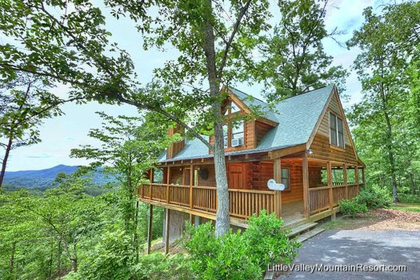 Little Lost Valley Cabin: Misty Moonlight 2 Bedroom Pigeon Forge Cabin Rental