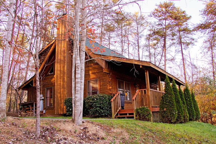 Little Lost Valley Cabin: Smoky Mountain Rain 2 Bedroom Pigeon Forge Cabin Rental
