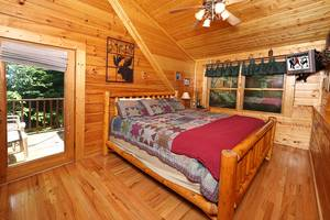 Upstairs Bedroom with King Bed in Loft