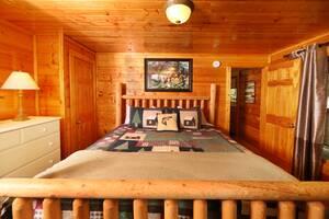 Main Floor Bedroom, King Bed, Cable TV, Full Bathroom