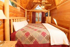 Upstairs Bedroom with King Bed