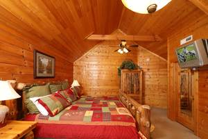 Upstairs Bedroom with King Bed and Private full Bathroom