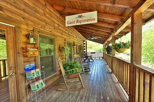 Misbeehavin 1 Bedroom Pigeon Forge Cabin Rental