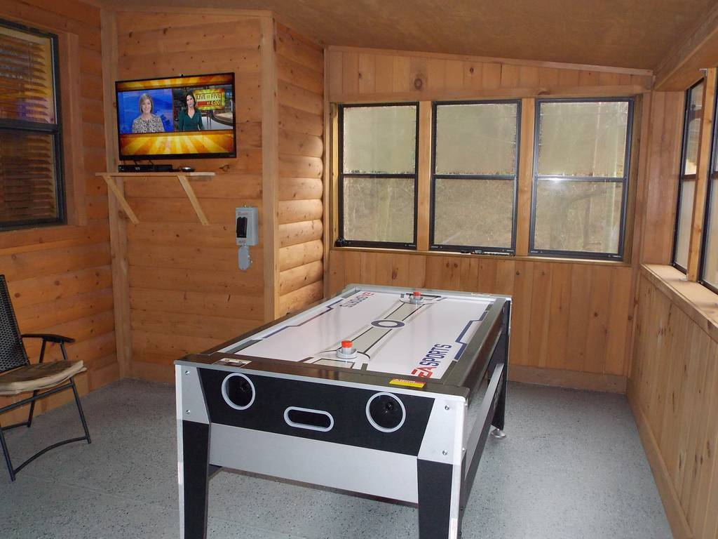 Gatlinburg Cabins Gatlinburg Cabin Rentals Bearly Rustic