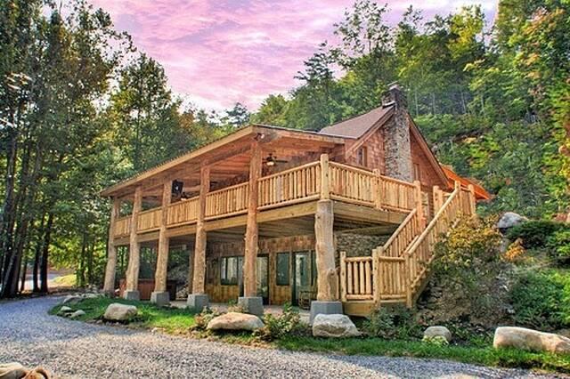 Down The Creek 4 Bedroom Cabin At Parkside Cabin Rentals