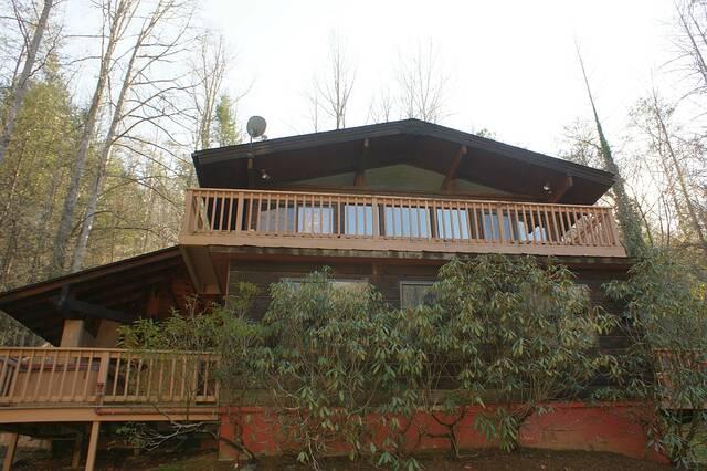 Little Pigeon River House 2 Bedroom Cabin At Parkside