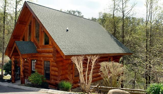 Superbe Black Bear Lodge ...