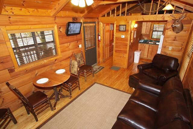 Davy Crockett 1 Bedroom Cabin At Parkside Cabin Rentals
