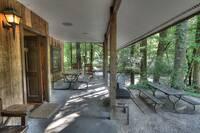 Crockett's Coonskin Cabin (540)