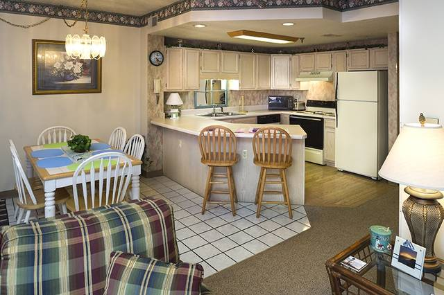 3 Bedroom Condo : River Place Condos - Pigeon Forge on