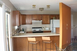 Gatlinburg chalet rental with a fully equipped kitchen.
