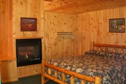 Romantic 1 bedroom log cabin in Gatlinburg, Tn.
