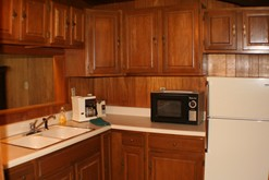 Gatlinburg cabin rental with a fully equipped kitchen.