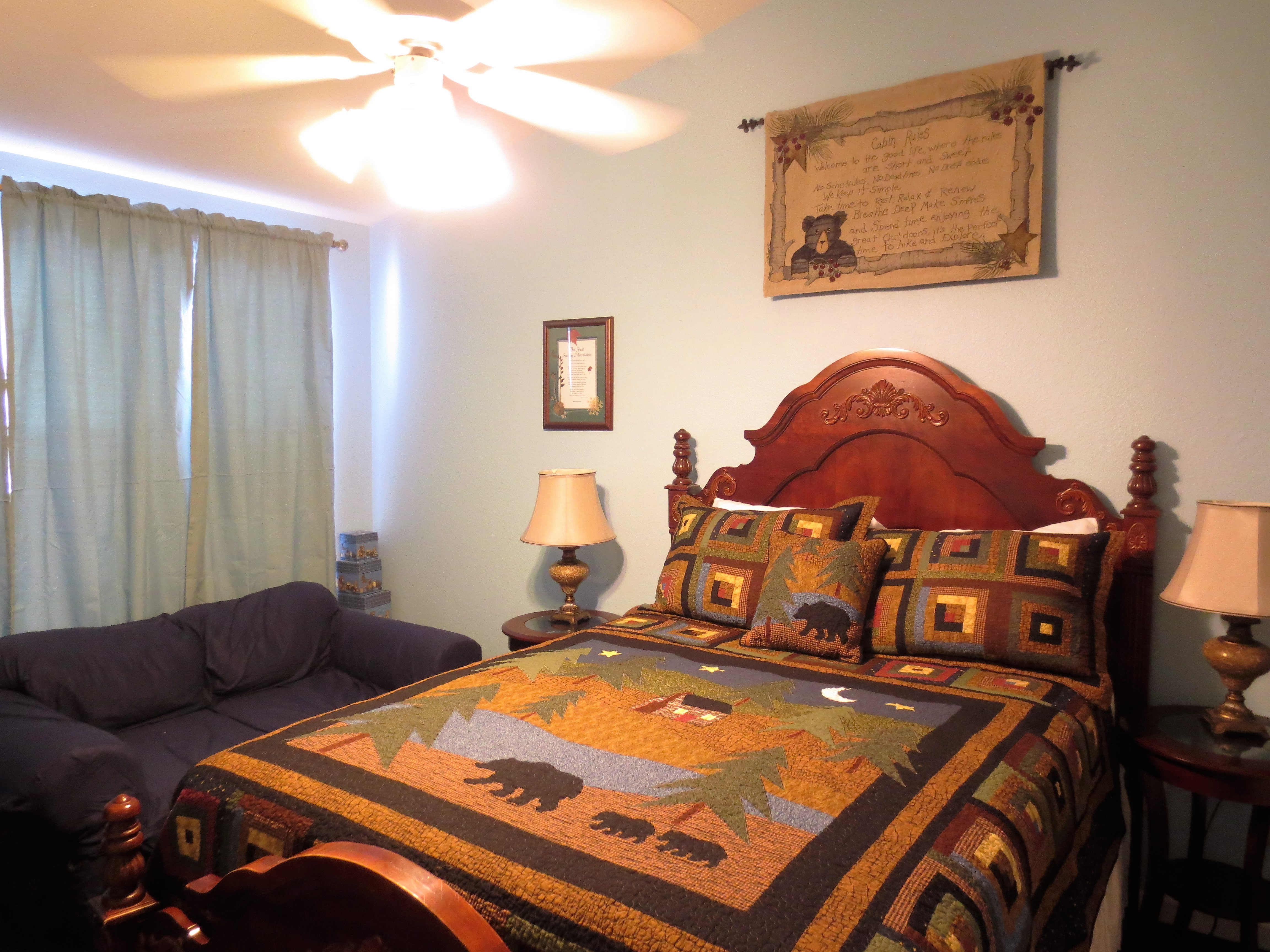 50 Birdhouse Inn upstairs bedroom