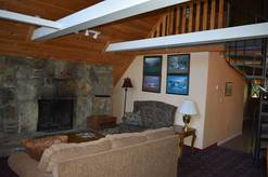 3 bedroom 2.5 bath chalet with pool table and hot tub