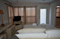 24 A Great Escape Chalet King Bed with Cable TV