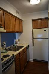 8302 Small but fully equipped kitchen