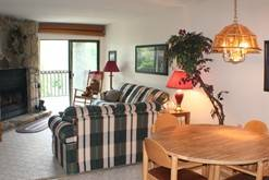 2 bedroom Gatlinburg condo with 2 bathrooms. at High Alpine Resort in Gatlinburg TN
