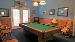 50 birdhouse inn 4 bedroom 4 bath chalet with pool table at Birdhouse Inn in Gatlinburg TN