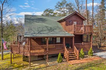 4 Paws, a three bedroom cabin in Pigeon Forge with Jacuzzi and fireplaces.