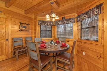 Dining room in this lovely Smokies cabin rental.