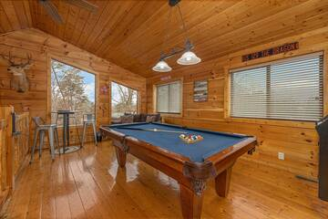 Pigeon Forge cabin rental with pool table.